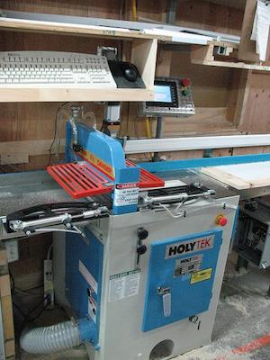 Ébouteuse automatisée pour la production de portes et fenêtres | Automated cut off saw for window and door production